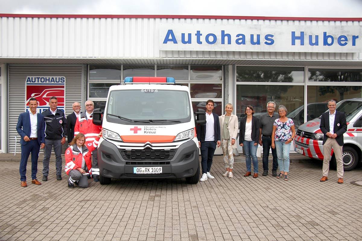 DRK Fahrzeug Übergabe beim Autohaus Huber in Oberkirch